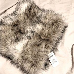 Fur neck cowl-scarf